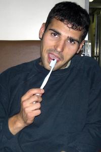 Andi beim Zähneputzen