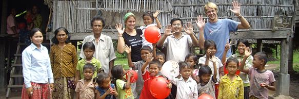 Besuch in einem kambodschanischen Dorf