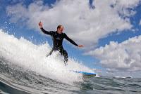 Daniel Schöberl beim Wellenreiten auf Fuerteventura